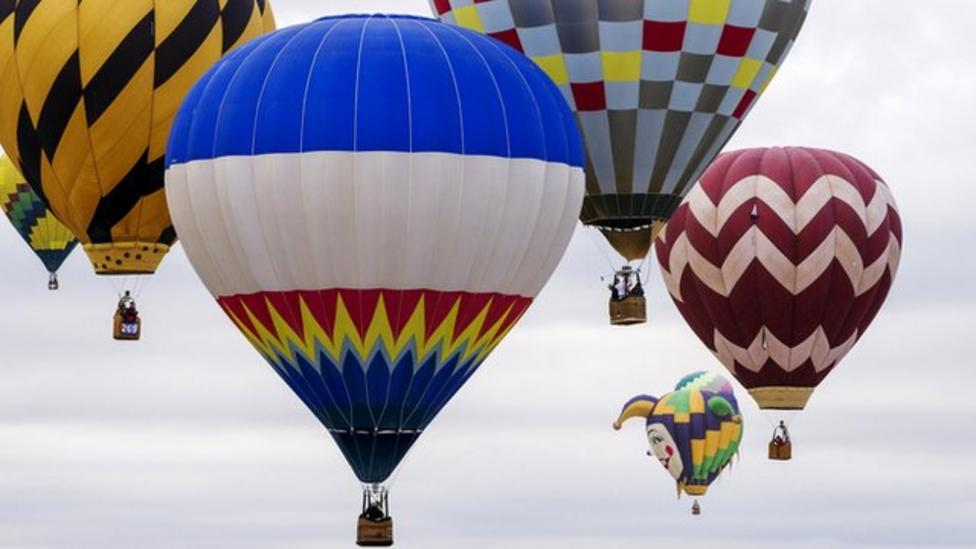 Dazzling balloons fill US skies
