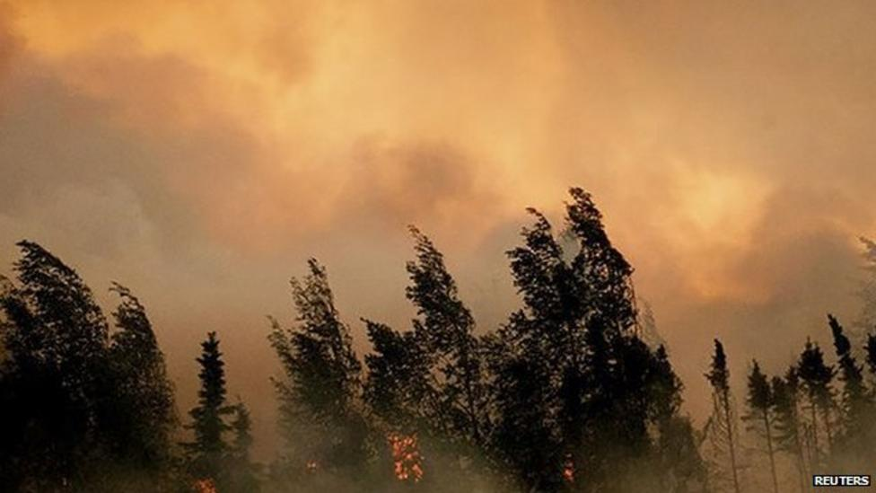 300 fire fighters tackle Alaska wildfires