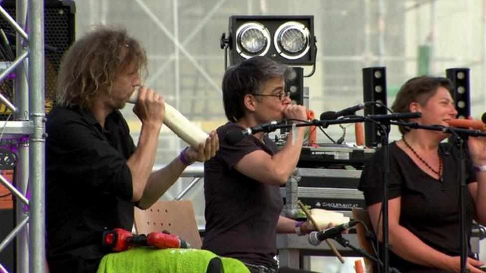 Vegetable orchestra fresh performance