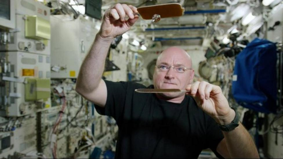 How do you play ping-pong in space?