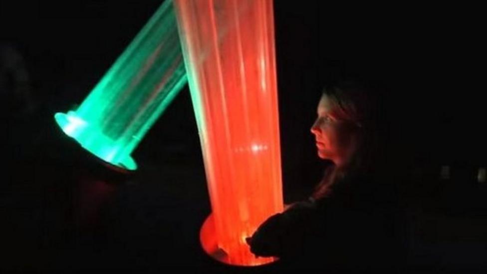 Star Wars fan makes giant lightsaber