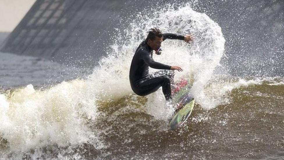 World's longest man-made waves