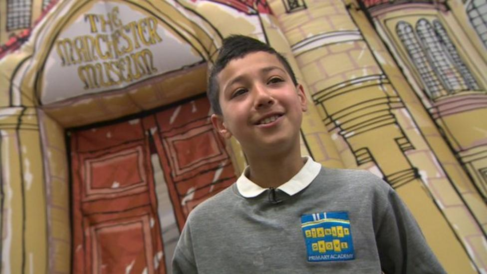 Inflatable pop-up museum visits schools