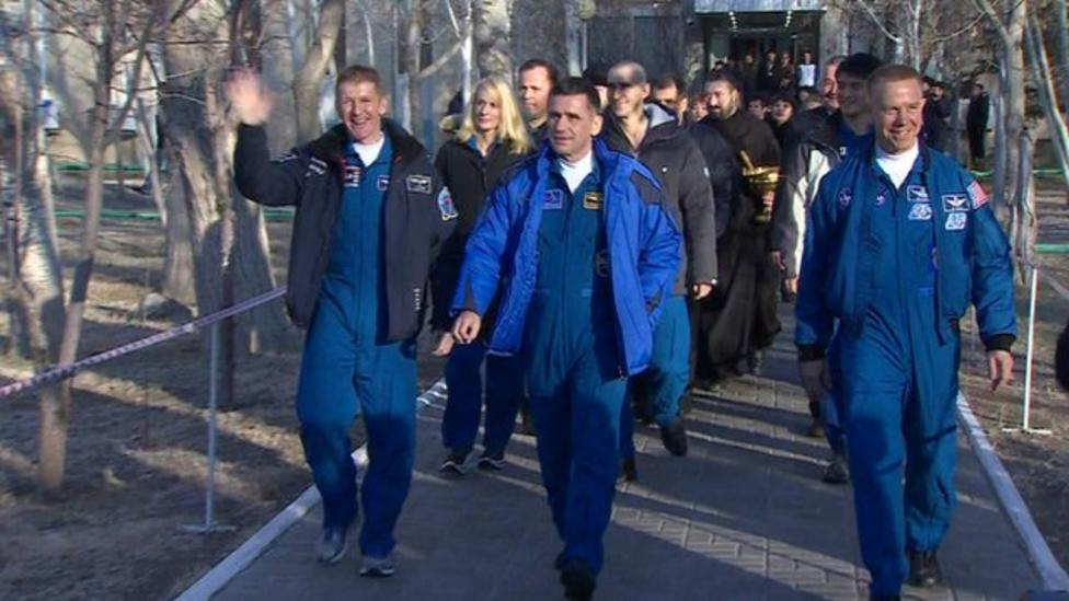 Tim Peake departs hotel for launch