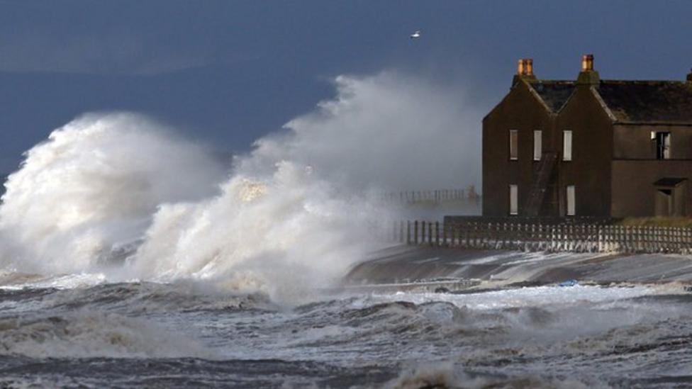 Storm Abigail shuts schools