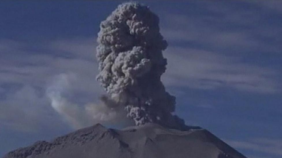 Peru's Sabancaya volcano roars to life