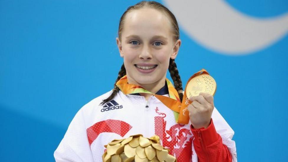 Paralympian Ellie returns to school