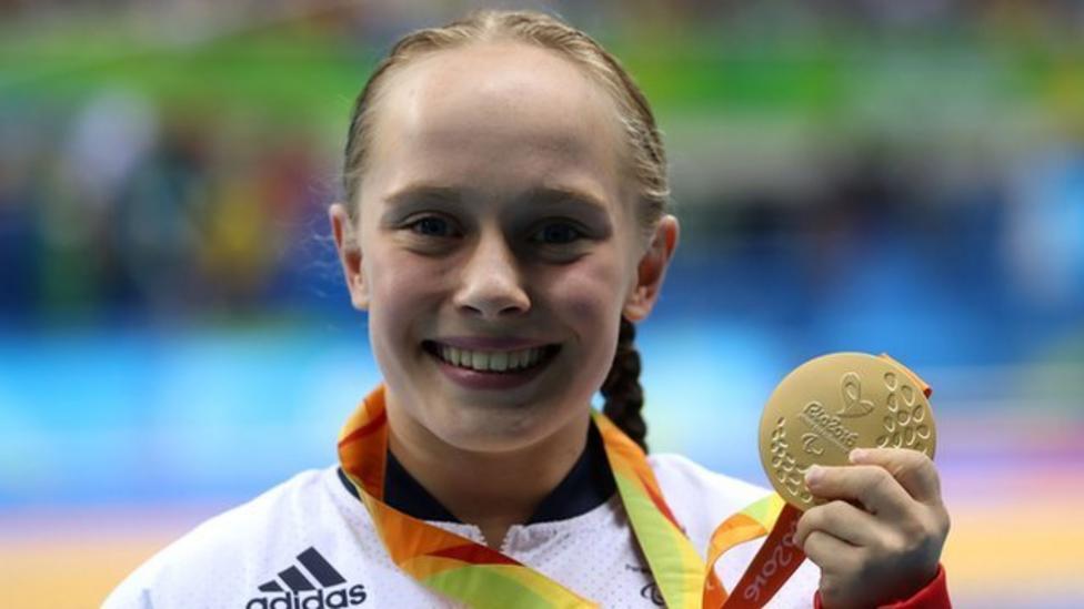 Ellie Robinson wins Young SPOTY award