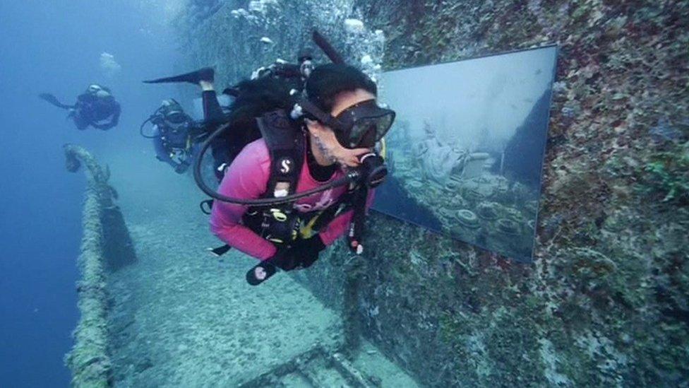 Underwater art on display in Florida