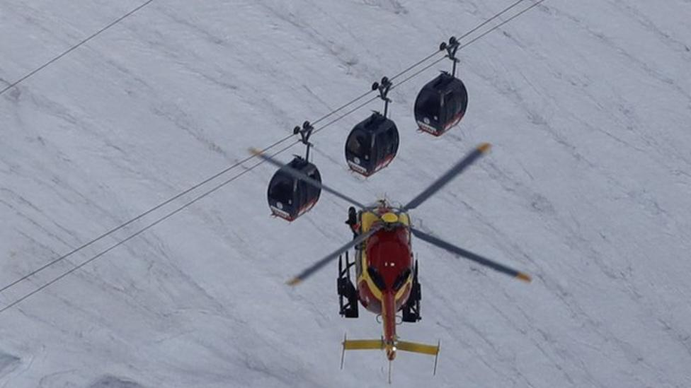 Dramatic cable car rescue over two days