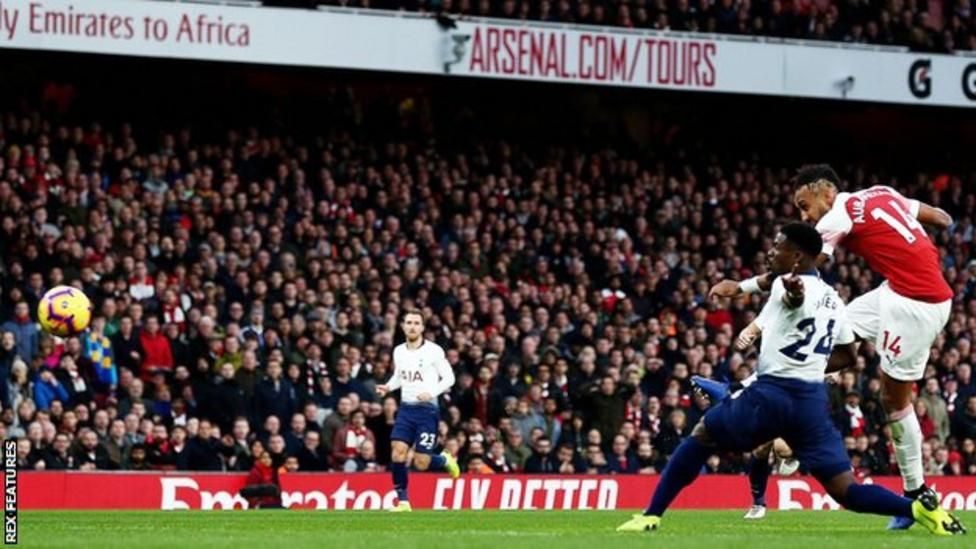 Pierre-Emerick Aubameyang scores Arsenal's second goal