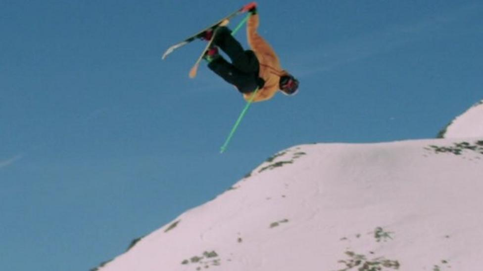 Watch these amazing freestyle skiers
