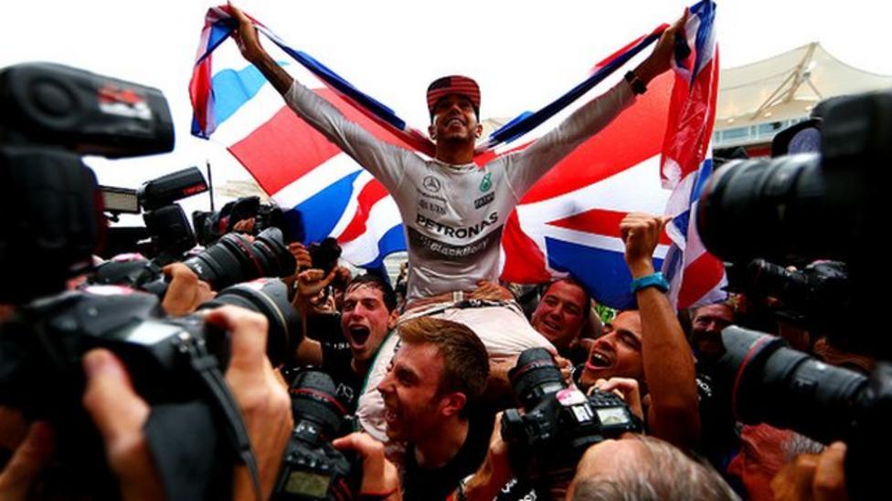 Hamilton to teach NR how to race cars