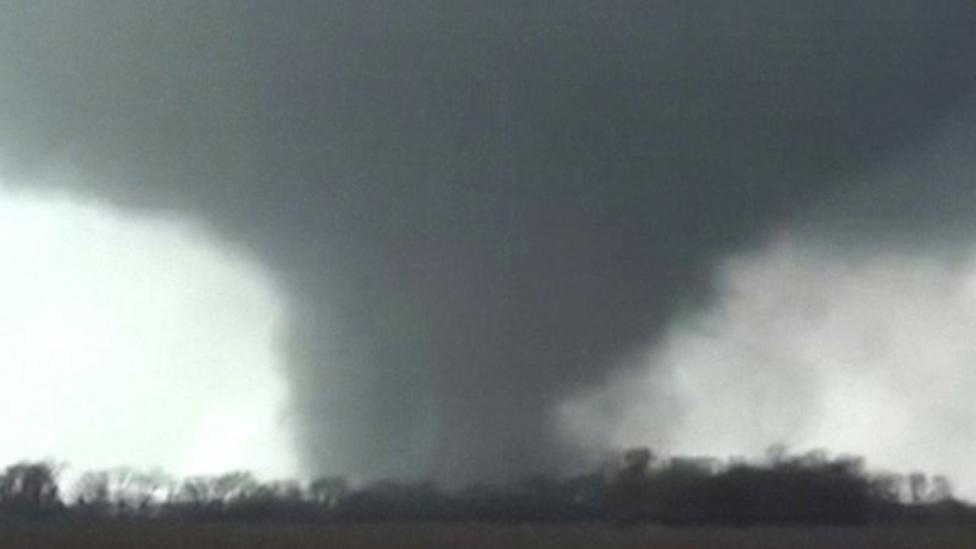 Tornado sweeps through US