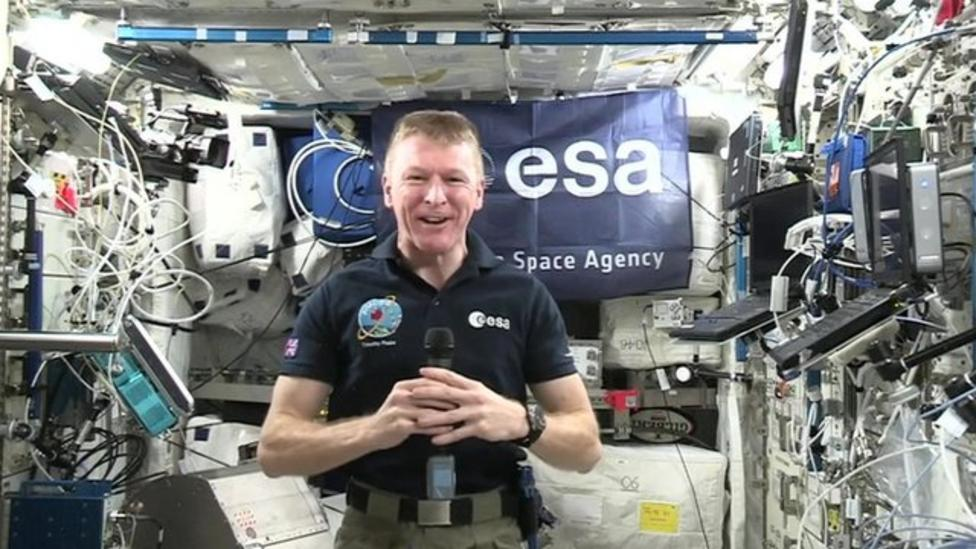Peake wants pizza as his first meal back on Earth