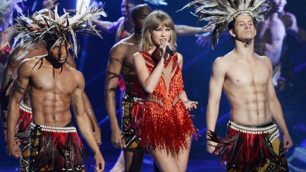 Taylor Swift wins big at MTV awards