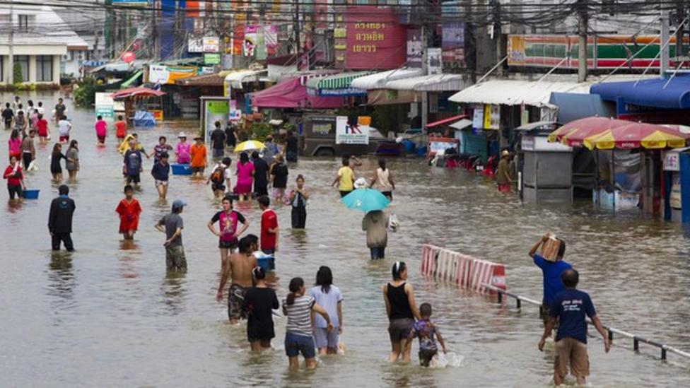 Hundreds of people killed by floods in Thailand