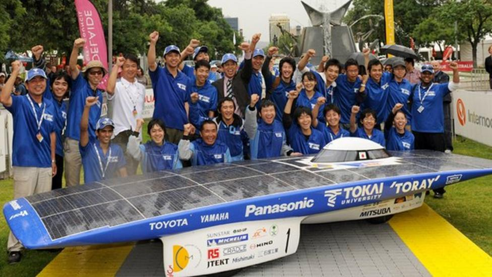 Solar power car race won by Japan