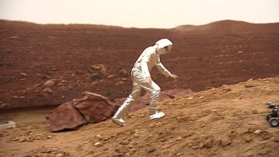 Joe takes a look at life on 'Mars'