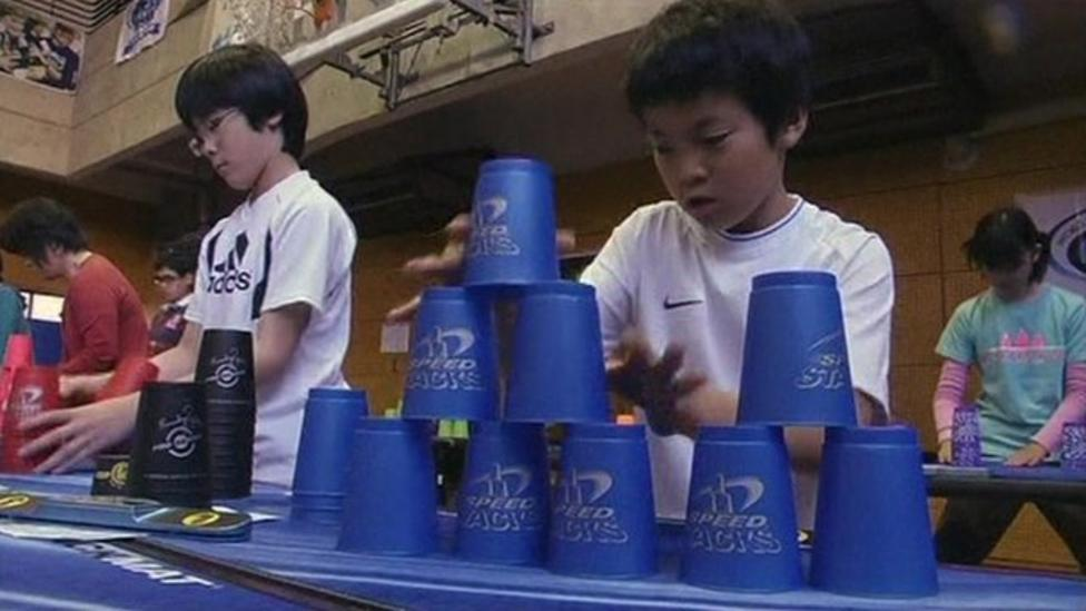 Cup stacking fever hits Japan
