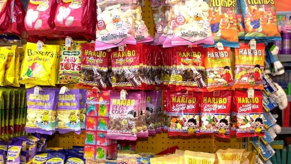 Shops 'tempting kids' with sweets