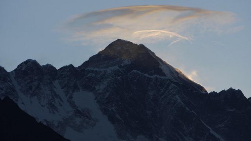 The dangers of Mount Everest