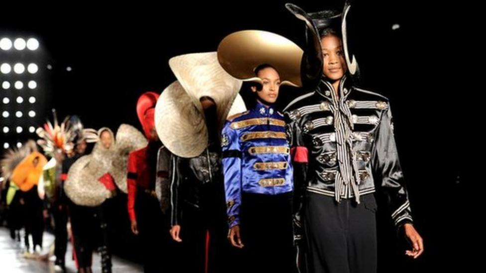How To Become A Fashion Designer Nel Visits London Fashion Week Cbbc Newsround