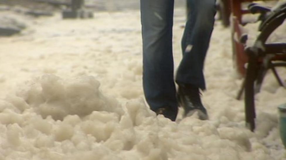 Video: Crazy foam weather hits Scotland