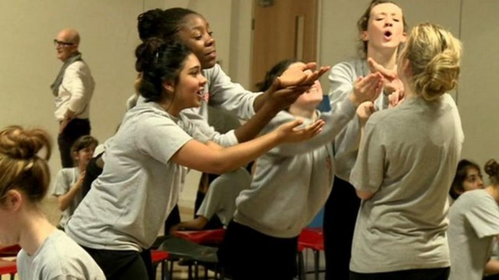 Actor to launch free drama school