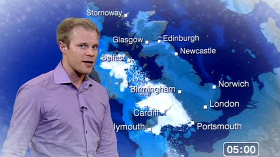 Heavy snowfall forecast for UK