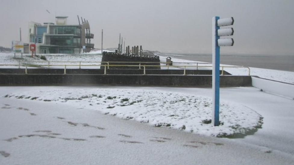 Nel reports from snowy south Wales