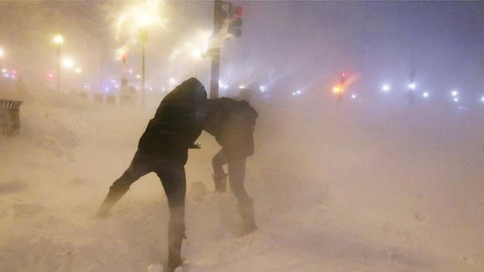 Snow storm hits north-east US