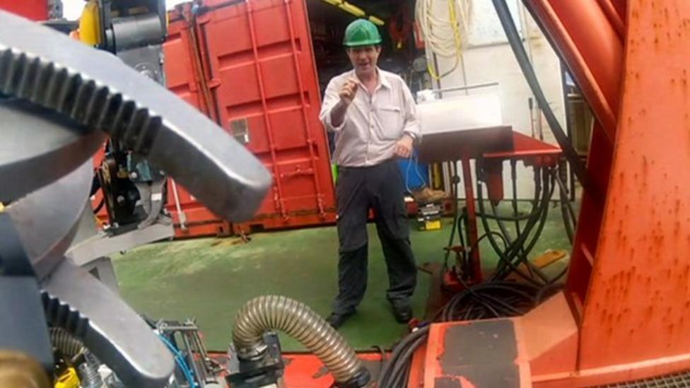 Mega deep sea 'chimneys' discovered