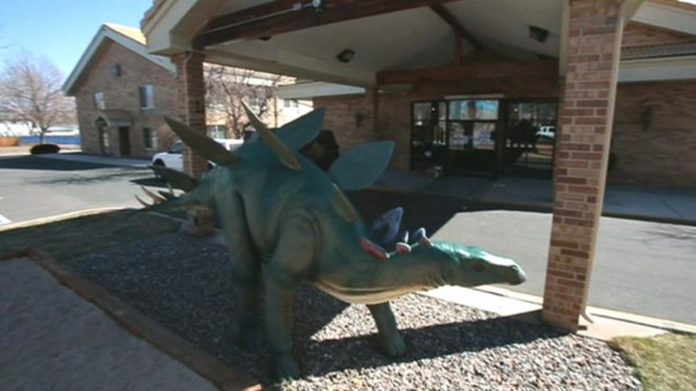 The dinosaur-themed hotel in America