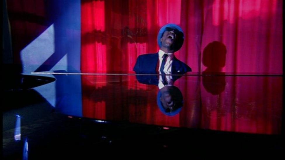 Ore sings 'The Blues' on MOTDK