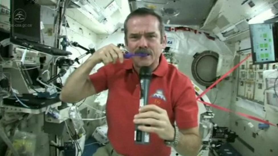Video: How to brush your teeth in space