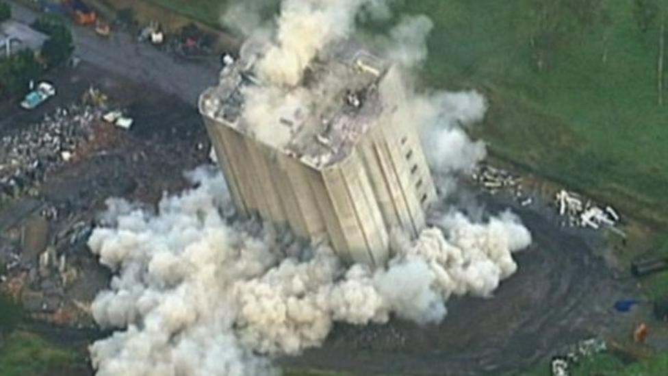 Explosion fails to demolish building