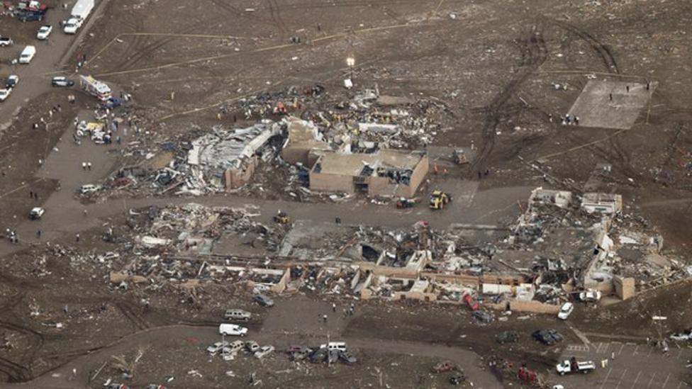 How do tornados form?