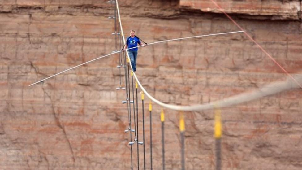 Daredevil completes Grand Canyon high-wire record
