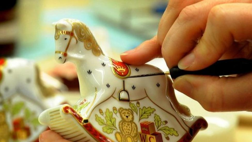 Souvenir makers get ready for royal baby