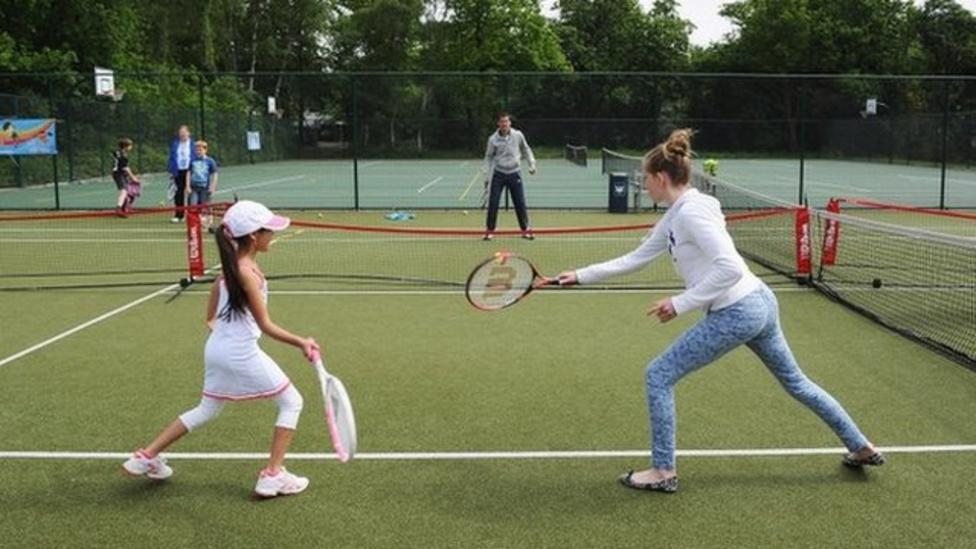Are there enough places to play tennis?