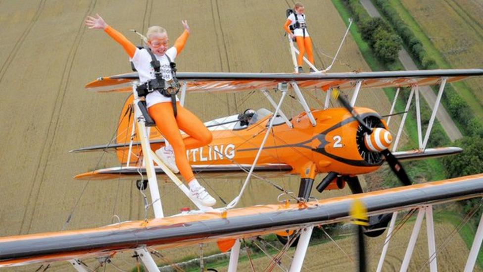 Youngest wing walkers break record