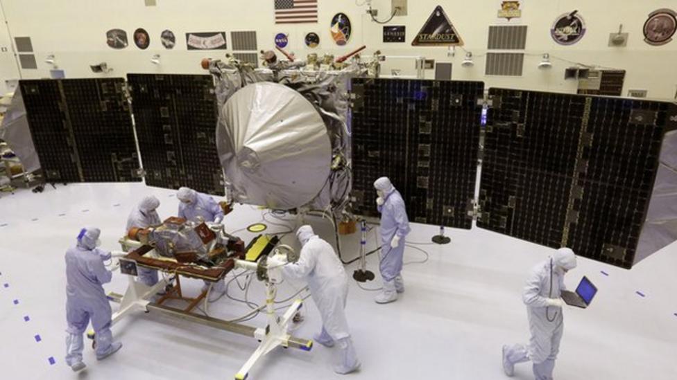 Nasa's new Mars craft unveiled