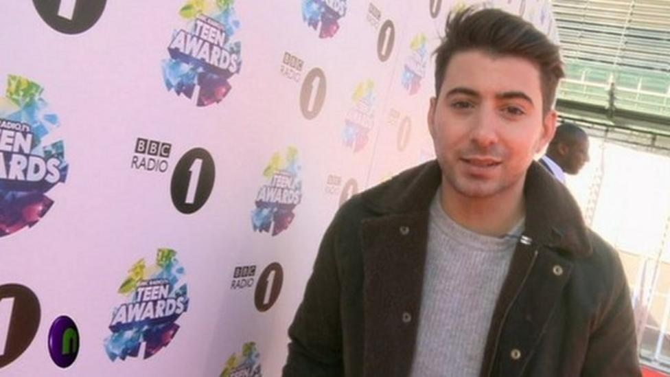 Watch: Ricky reports from Teen Awards