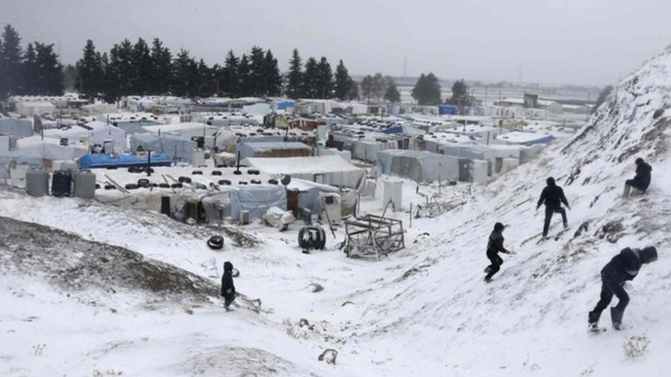 Syrian refugee camp hit by snowstorm