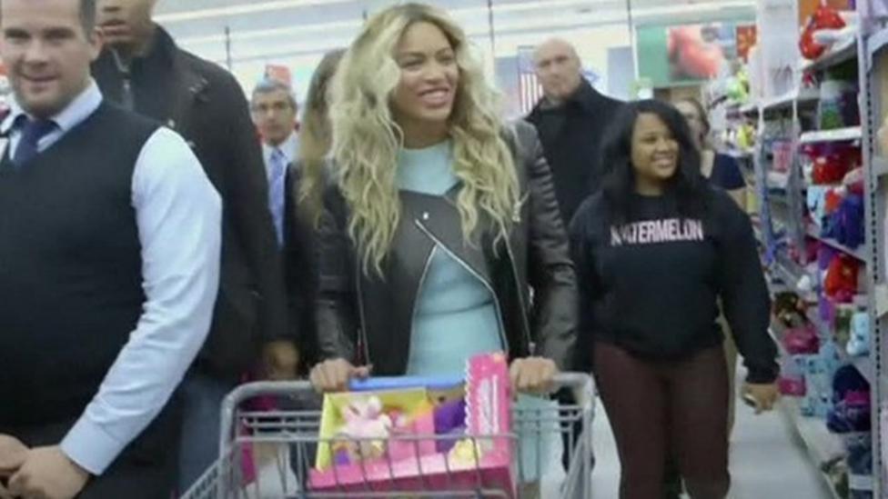 Beyonce surprises US shoppers