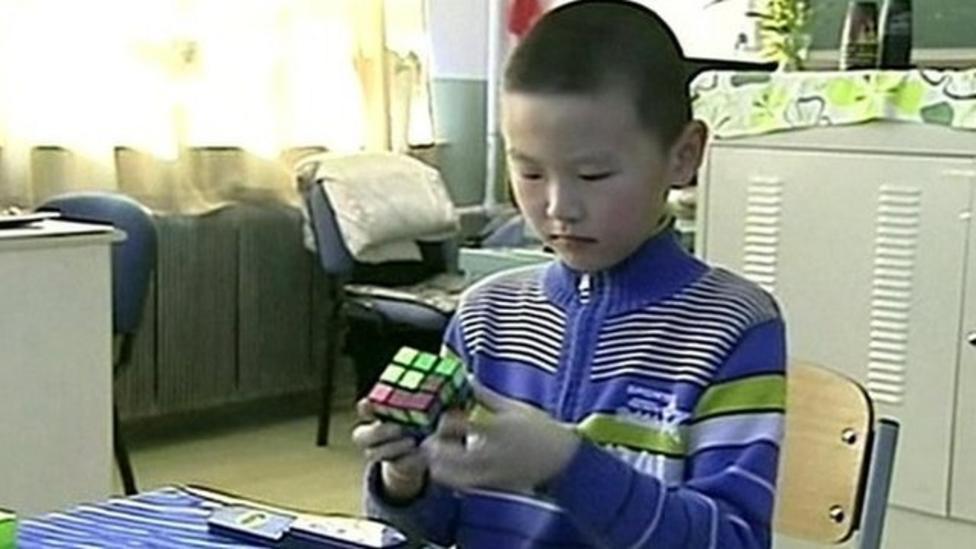 Boy sets new Rubik's Cube record