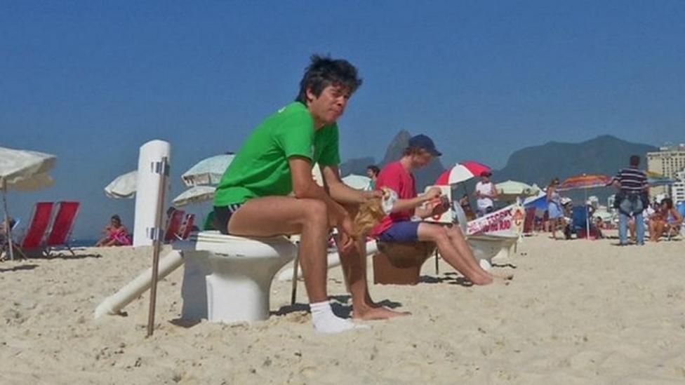 Brazilians' toilet protest on beach