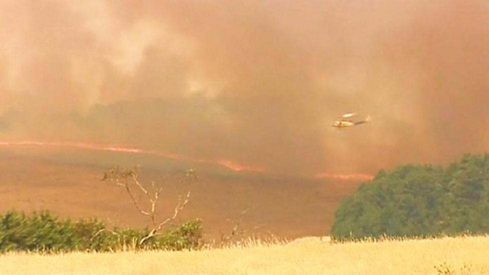Firefighters tackling Australian bushfires