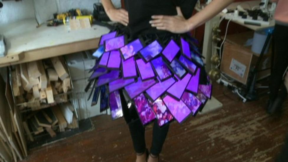 Skirt made with smartphones!